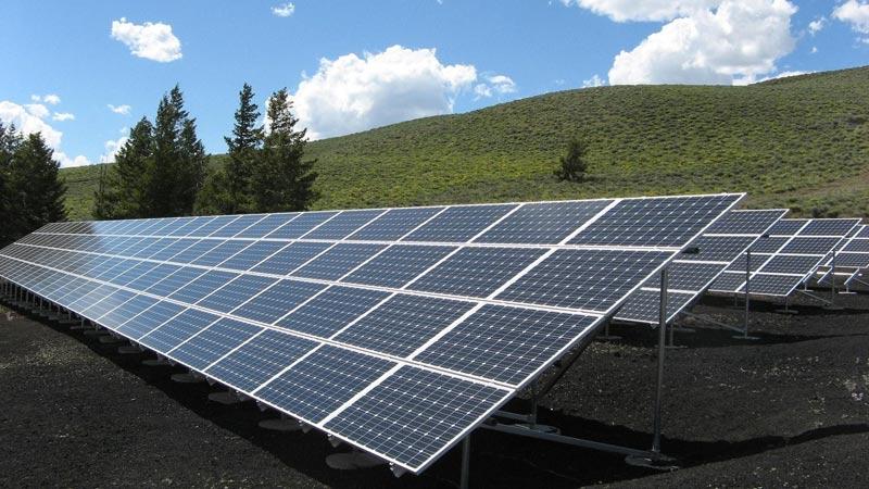 usar paneles solares y desconectar de la red eléctrica